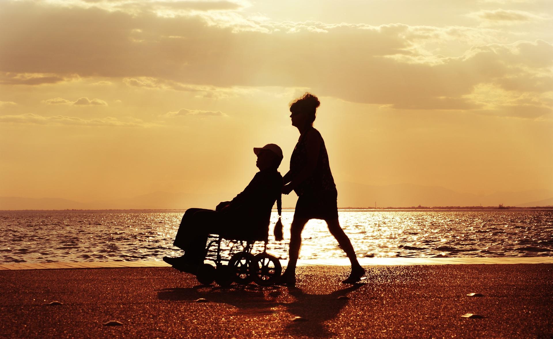 Tutela e diritti del caregiver, cosa dice la legge