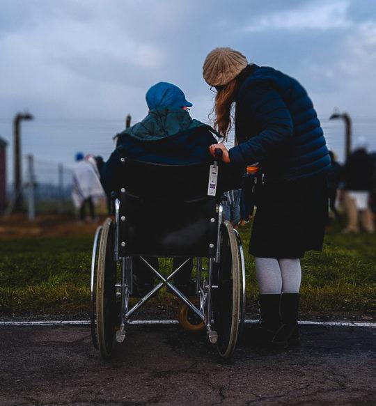 Carrozzina disabile, quanto cosa acquistarne una